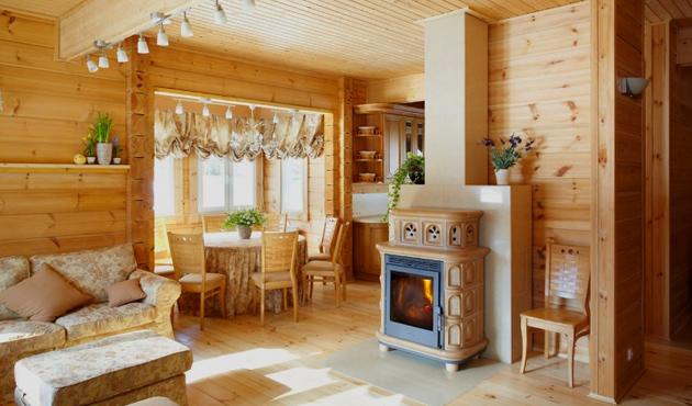 Стены и потолок деревянного дома